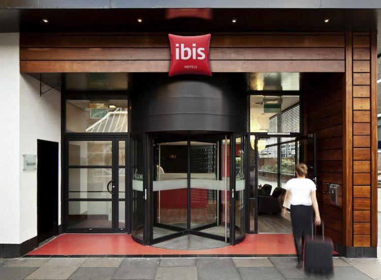 Ibis Forum Stevenage Entrance