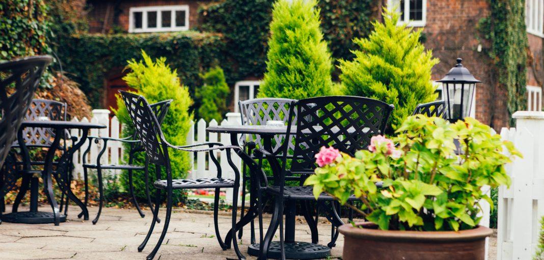 Mercure Hotel Letchworth Hall - Terrace