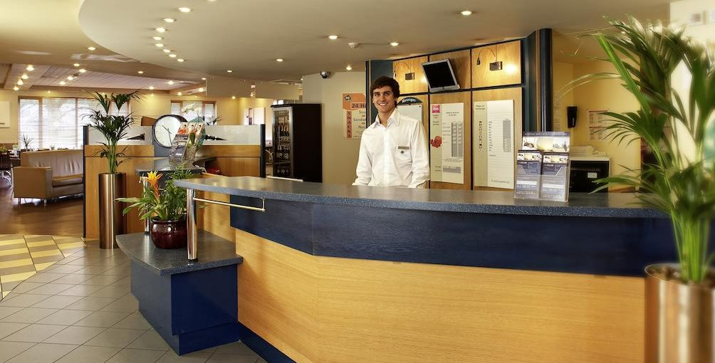 Ibis Rugby East Reception