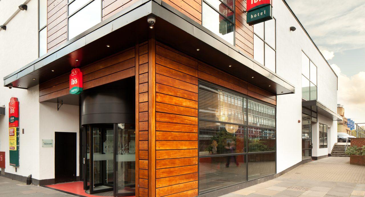 Ibis Stevenage Hotel Entrance
