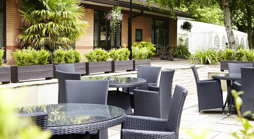 Novotel Hotel Manchester West Outdoor Seating
