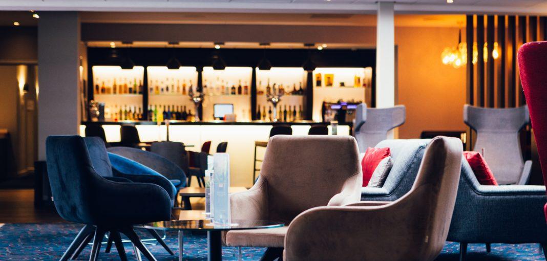 Novotel Hotel Nottingham Derby, foyer with bar