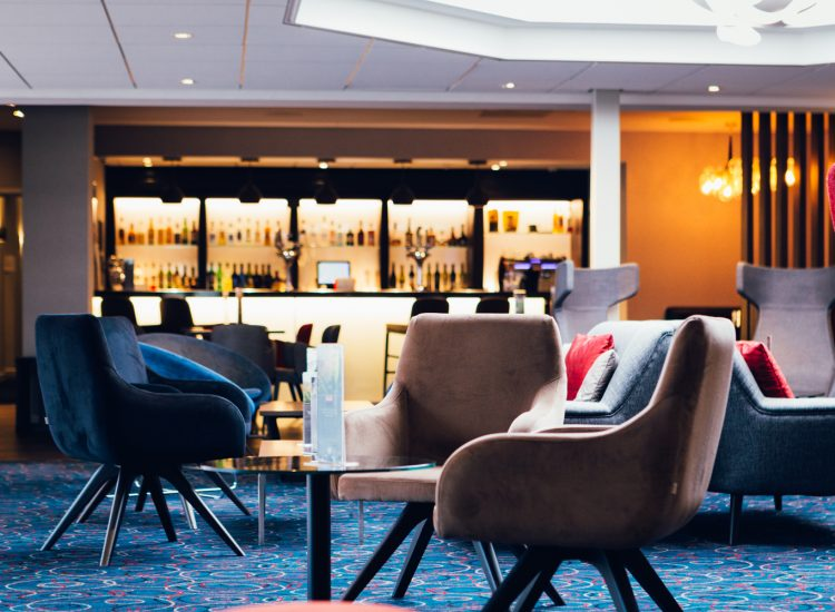 Novotel Hotel Nottingham Derby, foyer with bar