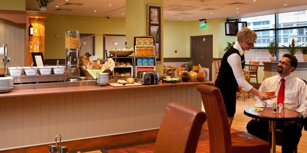 Ibis Forum Stevenage Restaurant breakfast bar