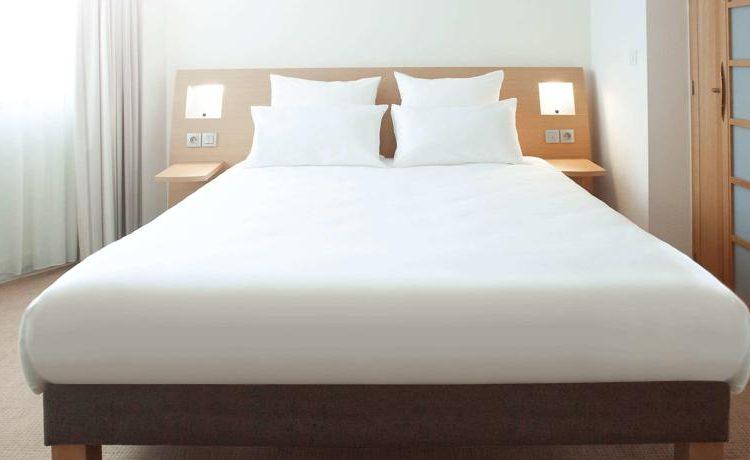 Novotel Wolverhampton Bedroom