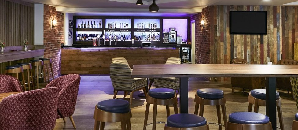 Novotel Manchester West Bar and Seating Area 1024 x 768